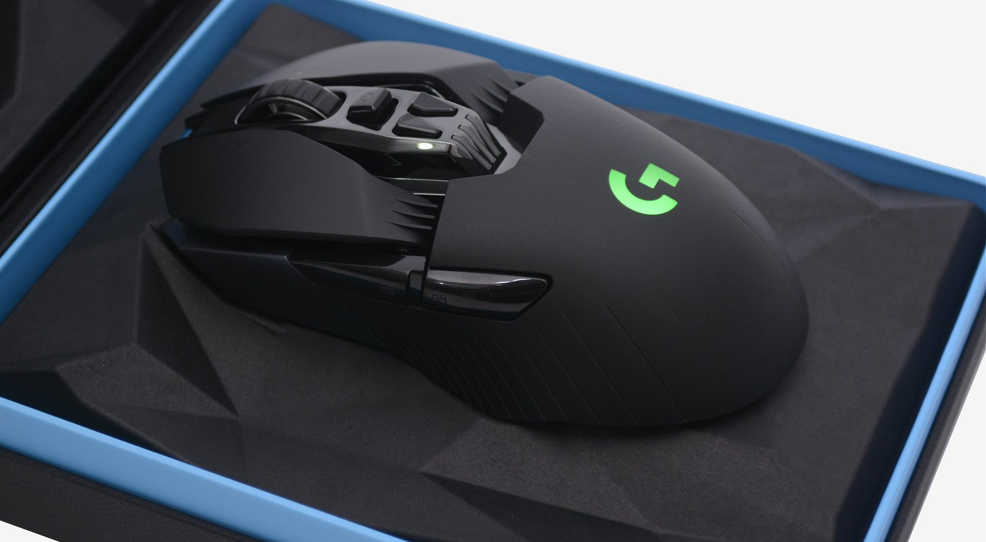 Logitech G900 Chaos Spectrum Wireless Gaming Mouse Review - TechSpot