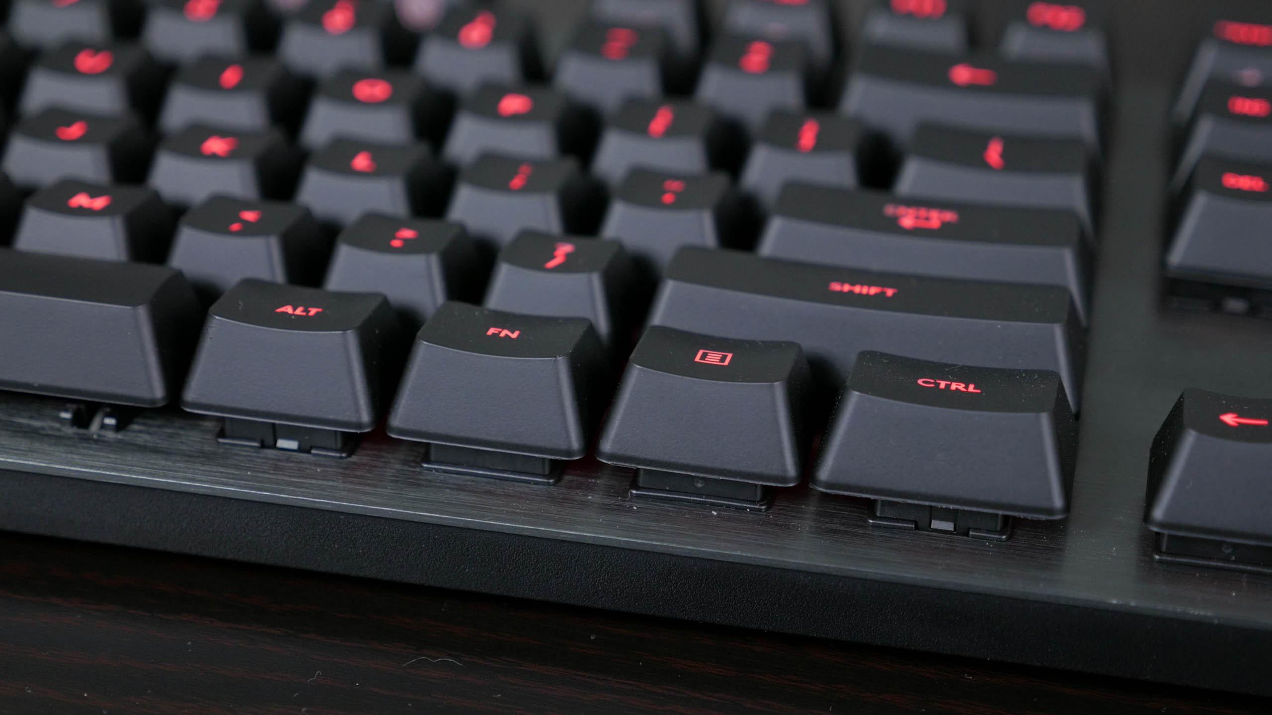 Logitech G413 Carbon Mechanical Keyboard Review Photo
