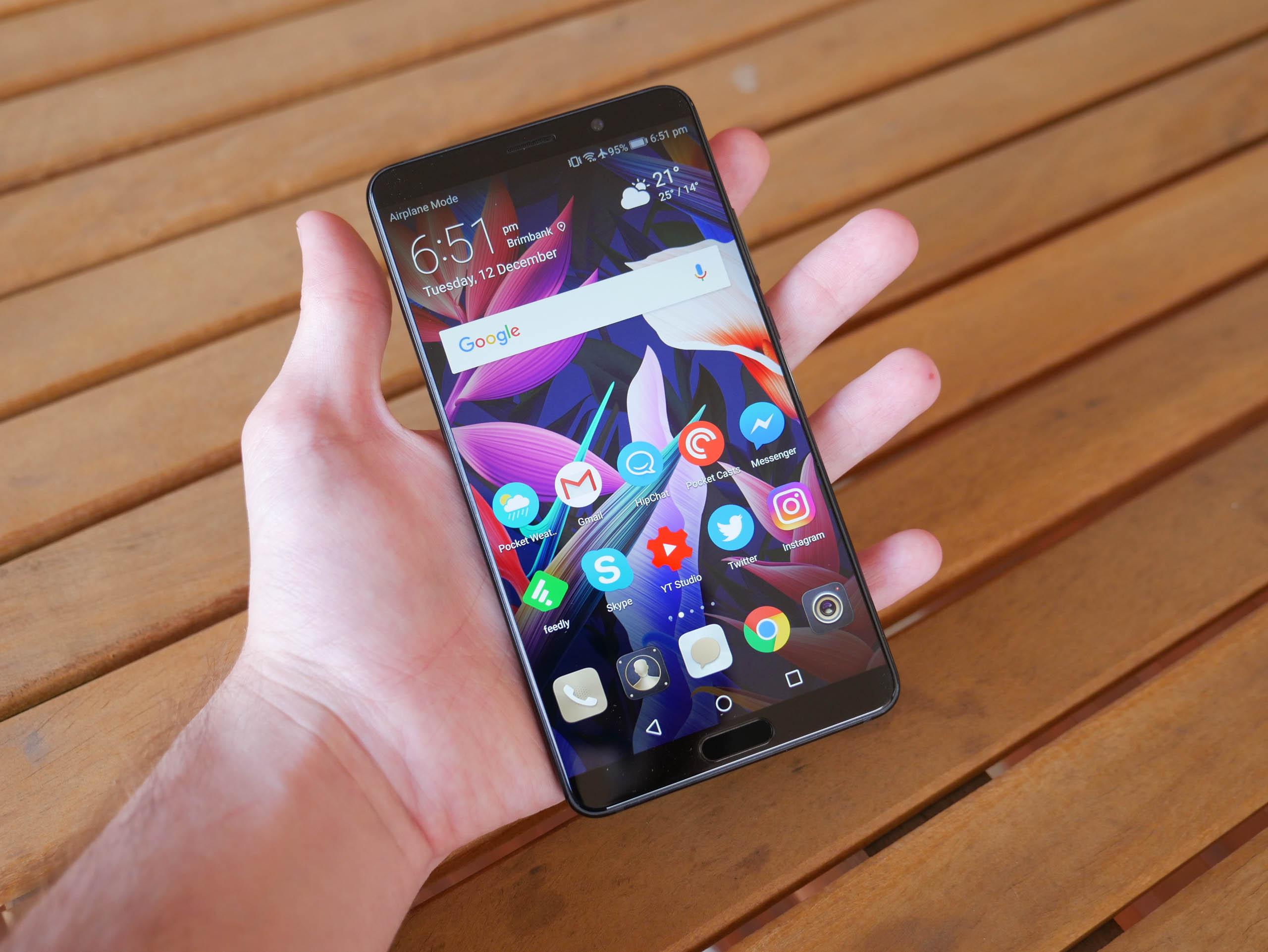 Đánh giá Huawei Mate 10 - TechSpot 2