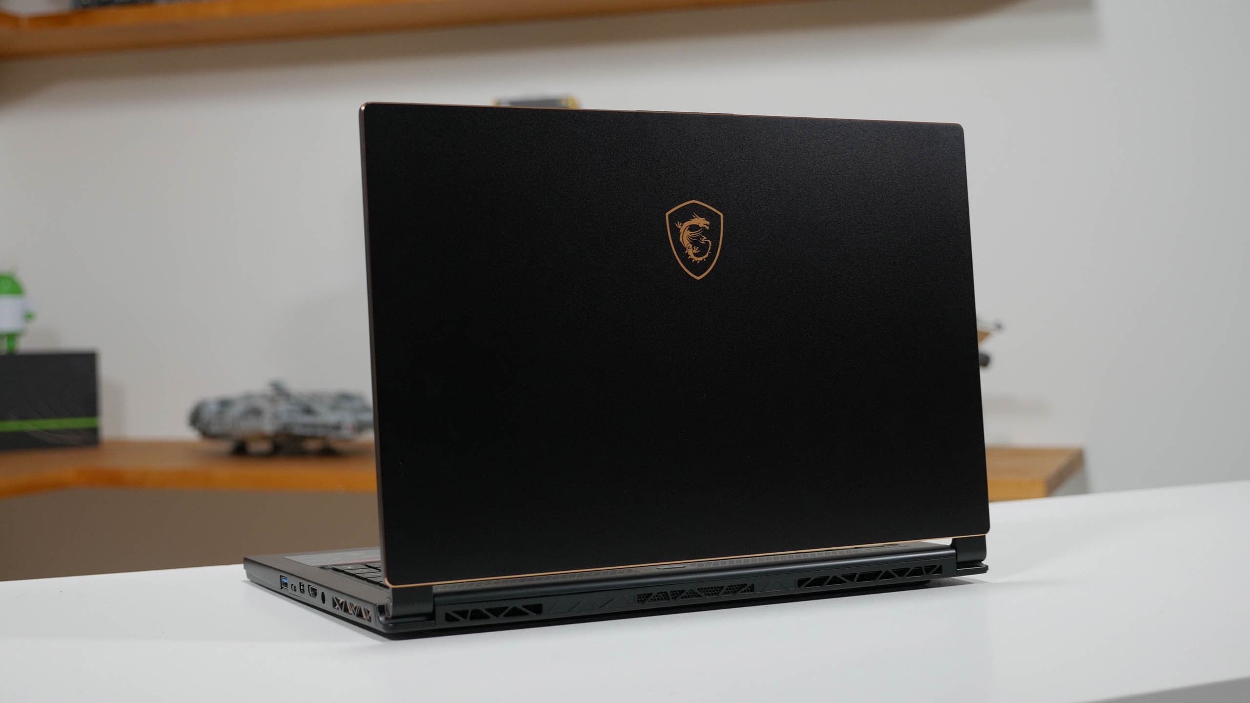 MSI GS65 Stealth Thin Review - Tanjo