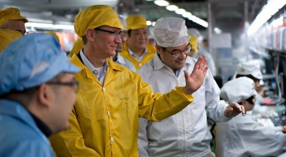 apple ceo cook foxconn iphone apple foxconn tim cook iphone factory