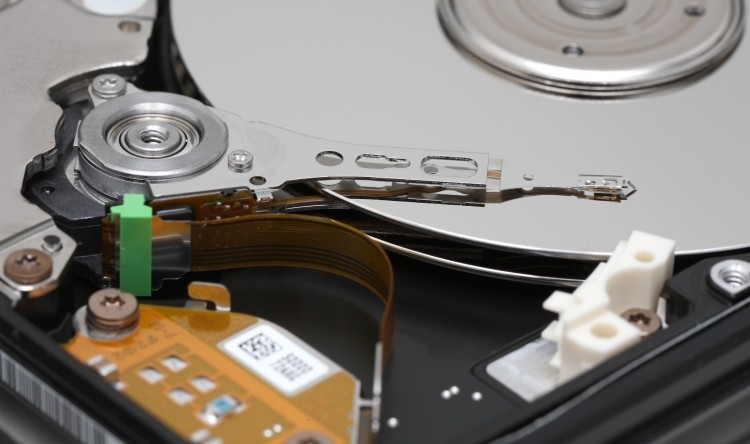 western digital, helium, hgst, hard drives, hitachi global storage technologies