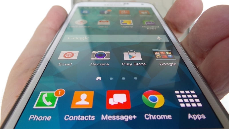apple, samsung, smartphone, flagship, iphone 6, galaxy alpha