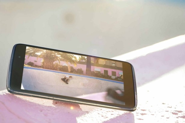 alcatel onetouch idol reversible smartphone launched mwc smartphone handset phone reversible mwc 2015 alcatel onetouch idol 3 alcatel onetouch idol 3