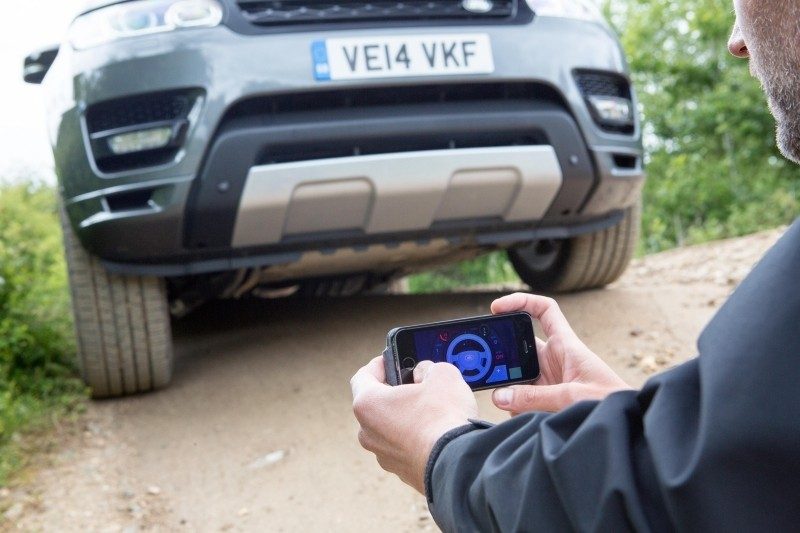 smartphone app turns land rover giant car smartphone bmw 7 series remote controll smart device rc car off-roading