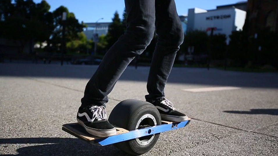 ces, raid, patent infringement, hoverboard, ces 2016, u.s. marshals, changzhou first international trade, cz-first, onewheel, trotter