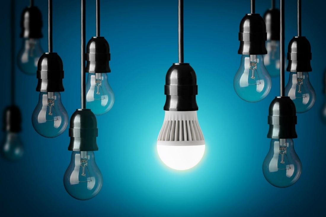 led, lightbulb, light bulb, led light bulb, ge, general electric, cfl, compact fluorescent, cfl bulb