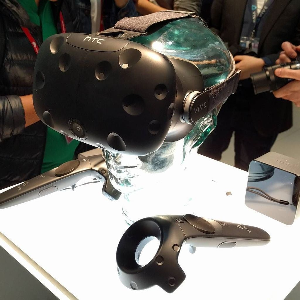 valve, htc, mwc, virtual reality, vr, oculus rift, htc vive, mwc 2016, vive phone services