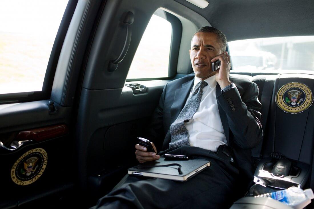 obama, blackberry, barack obama, jimmy fallon, obama cell phone, president cell phone