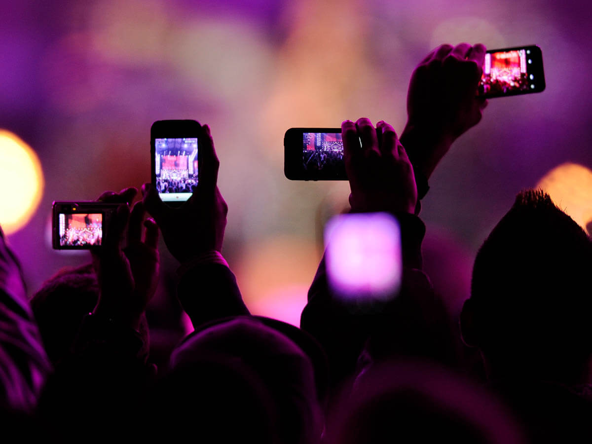 musicians, yondr, filming at gigs, locked phone case, gigs, concert, locking phones