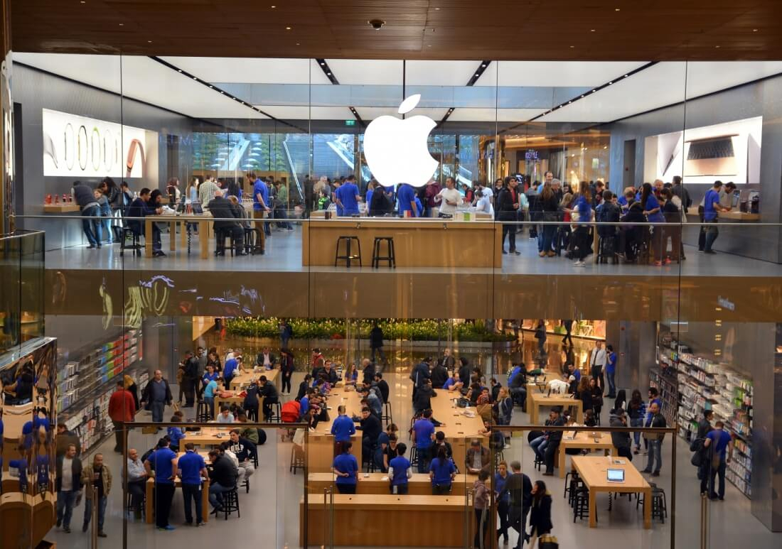 iphone, apple store, australia, allegations