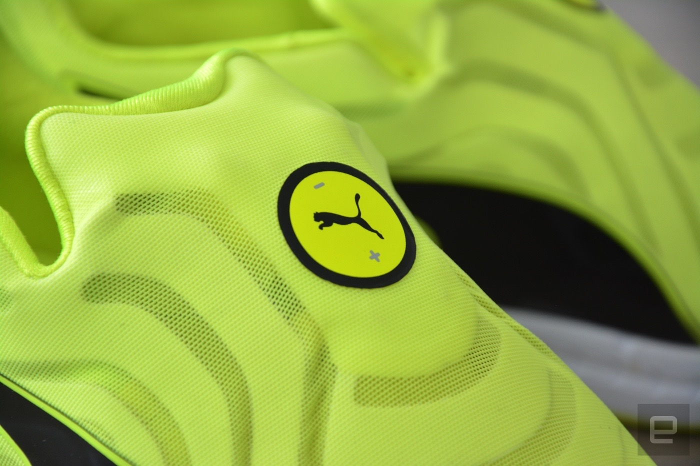 relajado una taza de Psicologicamente  Nike isn't the only one making self-lacing sneakers - check out ...