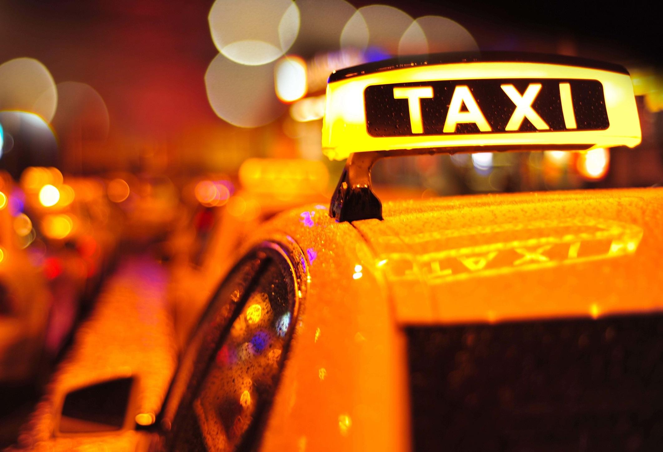 taxi, uber, lyft, ridesharing