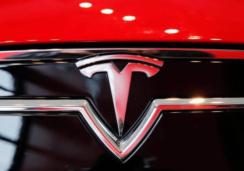 tesla, self-driving cars
