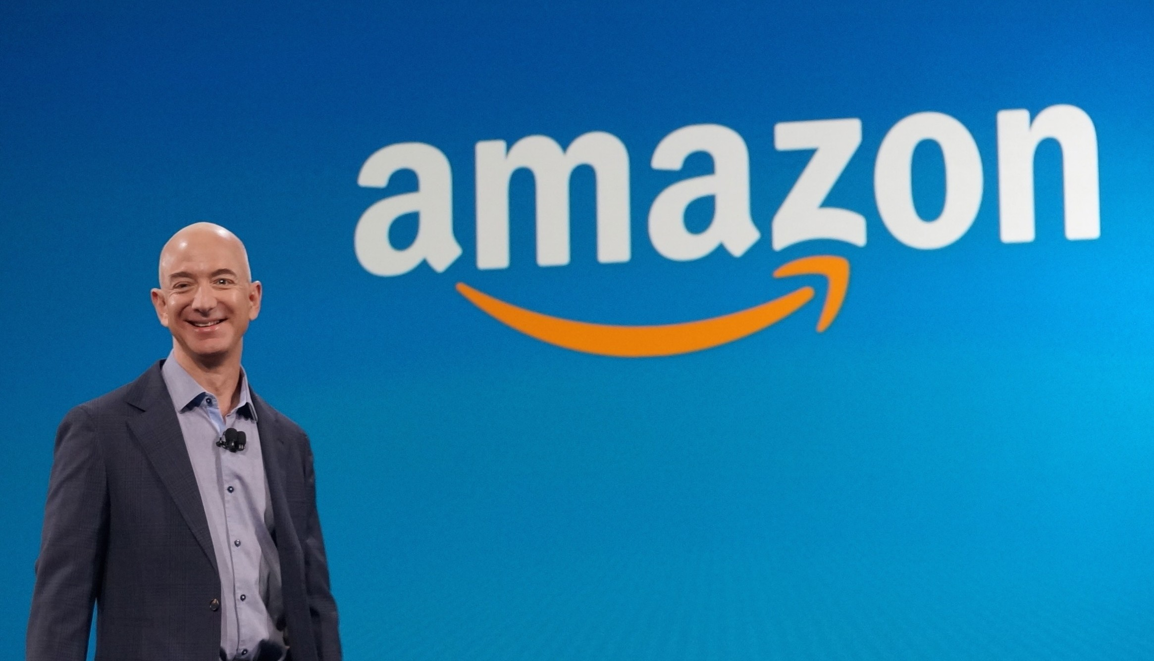 Amazon net income, revenue increase in Q4
