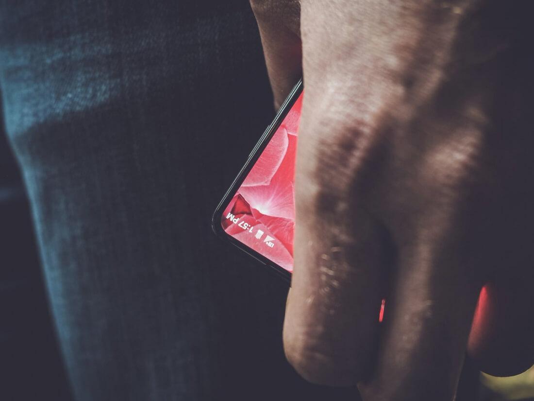 smartphone, andy rubin, essential