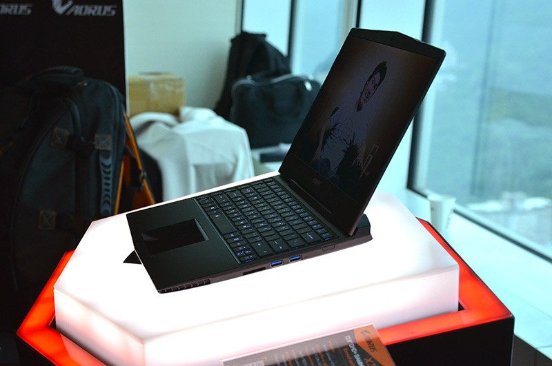 gigabyte, laptop, keyboard, mouse, computex, gaming laptop, aorus, computex 2014