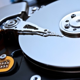 seagate, hdd, ssd, western digital, isuppli, hitachi gst, revenue, wd, profits, projections, solid state drives, ihs isuppli, predictions, hard drives, hdds, hitachi global storage technologies