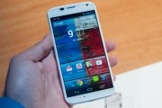 Moto X and LG G2 now available starting at $99 on-contract