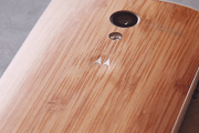 Moto X now available with bamboo back panel for an extra $100