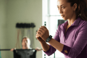 Samsung steps into fitness tracking market with the Gear Fit