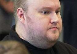 Kim Dotcom's legal team exits as Megaupload founder runs out of money