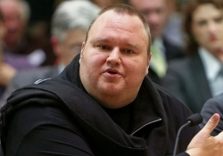Kim Dotcom offers $5 million bounty for information in MegaUpload case