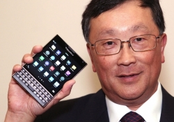 BlackBerry explains the design decision behind the Passport's square display