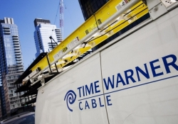 New York governor orders probe of TWC over massive nationwide outage