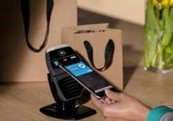 Apple dives into mobile payments with NFC-powered Apple Pay