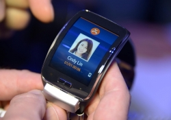 Samsung's 3G-equipped Gear S smartwatch to land in the US this fall