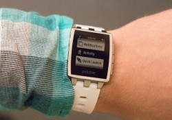 Pebble slashes prices, gets serious about health and fitness