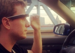 Research shows texting while driving with Google Glass equally distracting as with a mobile phone