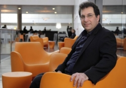 Former world's most wanted hacker Kevin Mitnick now sells zero-day exploits