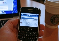 BlackBerry gets caught tweeting from an iPhone