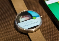 Android Wear adds always-on apps, Wi-Fi support and additional gestures ahead of Apple Watch launch