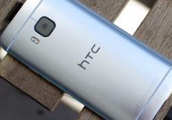 HTC plans 'cuts across the board' to revitalize smartphone business