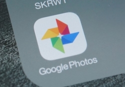 Google Photos continues to backup pictures long after app has been deleted