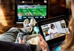 Online video expected to outsell DVDs for the first time ever