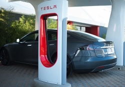 Tesla's CTO predicts that low cost batteries will lead to an energy and transport revolution