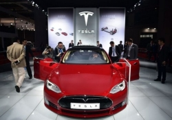 Tesla makes the Model S even faster with new Ludicrous mode, adds 90kWh battery option, more