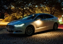 Ford vehicles will use infrared cameras to detect, illuminate pedestrians on unlit roads