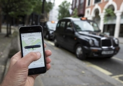 Uber sued for $307 million by Toronto taxi drivers