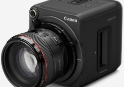 Canon's new multi-purpose camera records in the dark, sans infrared night vision