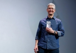 Apple aims to join Google with its own mobile service