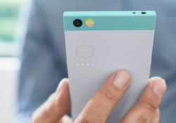 Nextbit's debut smartphone, Robin, leans heavily on cloud storage