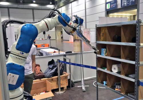 Suction cups and deep learning AI help robot arm win Amazon's warehouse picking challenge