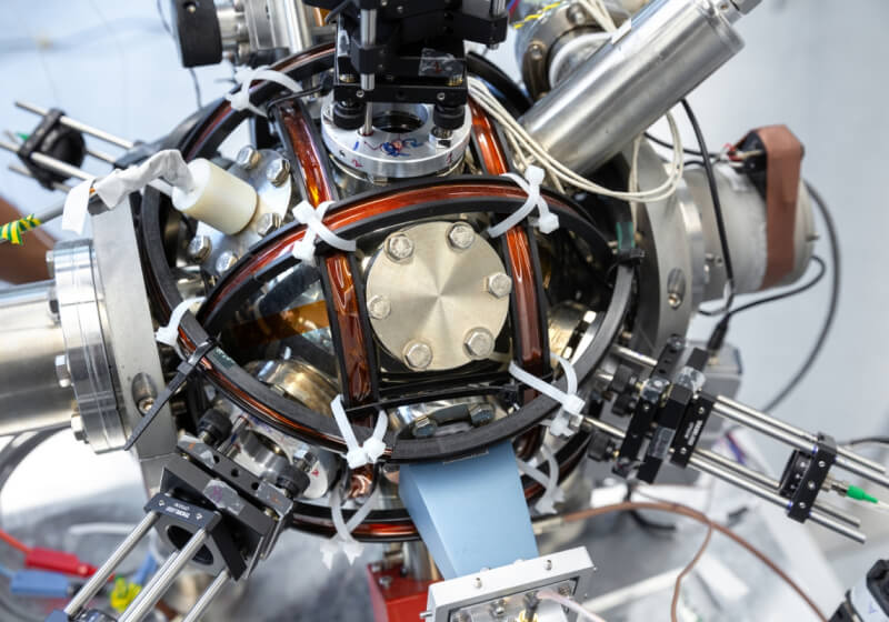 "Quantum ""compass"" uses supercool atoms instead of satellites for navigation"